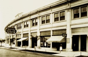 John D. Spreckels had the building designed in 1917 to bring a theater to the island.